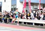 トップの青学ランナー.JPG