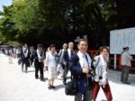 横松さん式典へ移動.png